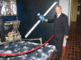 Prof. Churyumov with model of Philae